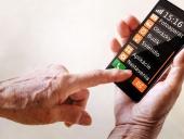 Zákazníci Orangeu môžu na tlačidlové telefóny zabudnúť