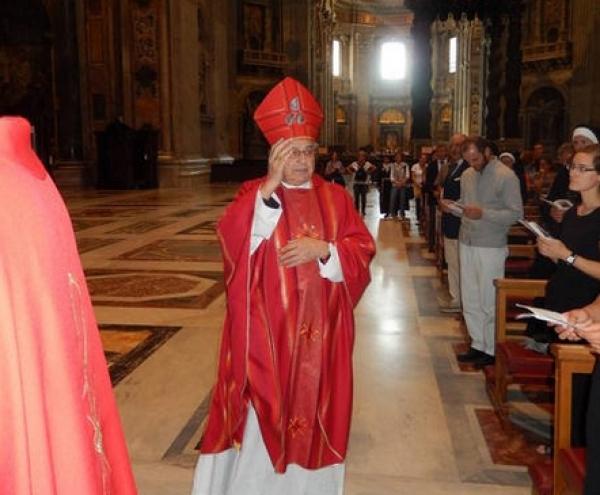 Kardinál Vlk má problém s článkom v SME o Bezákovi