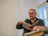 Pri vážnej nehode zomrel spisovateľ, filmár a bývalý moderátor Peter Krištúfek