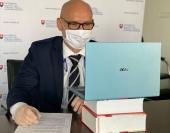 Ministerstvo sprístupnilo 588 digitálnych učebníc a pomôcok zadarmo, tu ich nájdete