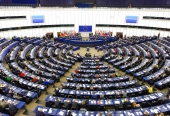 PRIESKUM: Zverejnili poslednú predvolebnú projekciu rozdelenia mandátov v budúcom Európskom parlamente